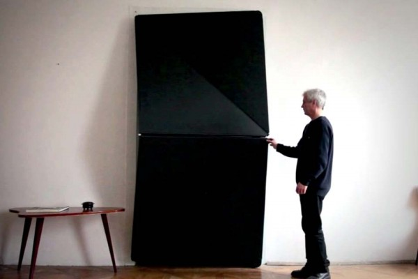 At First, It Looks Like an Ordinary Door. But Open It and… Whoa!