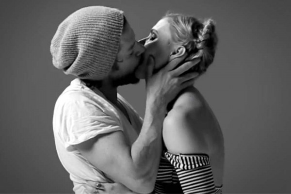 20 Strangers Were Asked to Kiss for the First Time. What Happens Next Is Ridiculously Beautiful.