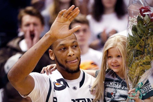 An 8-Year-Old Girl Asked a Basketball Star to Be Her Friend. He Responds the Awesomest Way Possible.