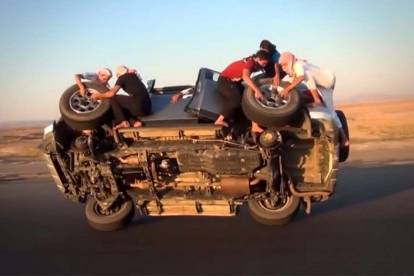 Forget Everything You Know About Changing a Flat Tire. Here's the Saudi Way.